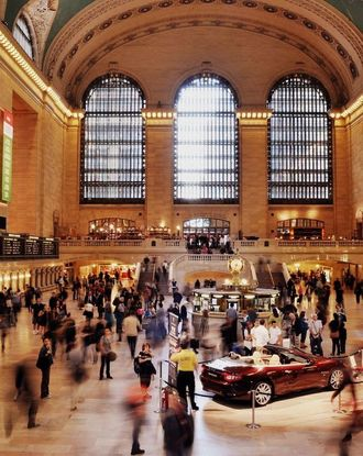 Timelapse photography of people gathered inside Grand Central Terminal