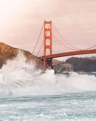 Waves crashing into the Golden Gate Bridge