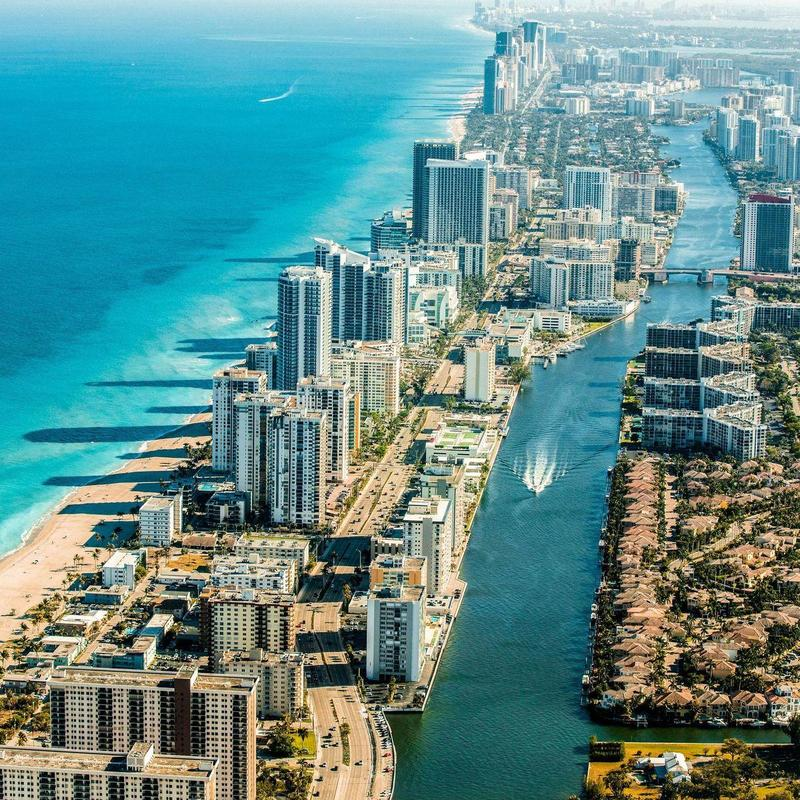 Miami charter bus rentals make it easy to travel from and to the Miami area.