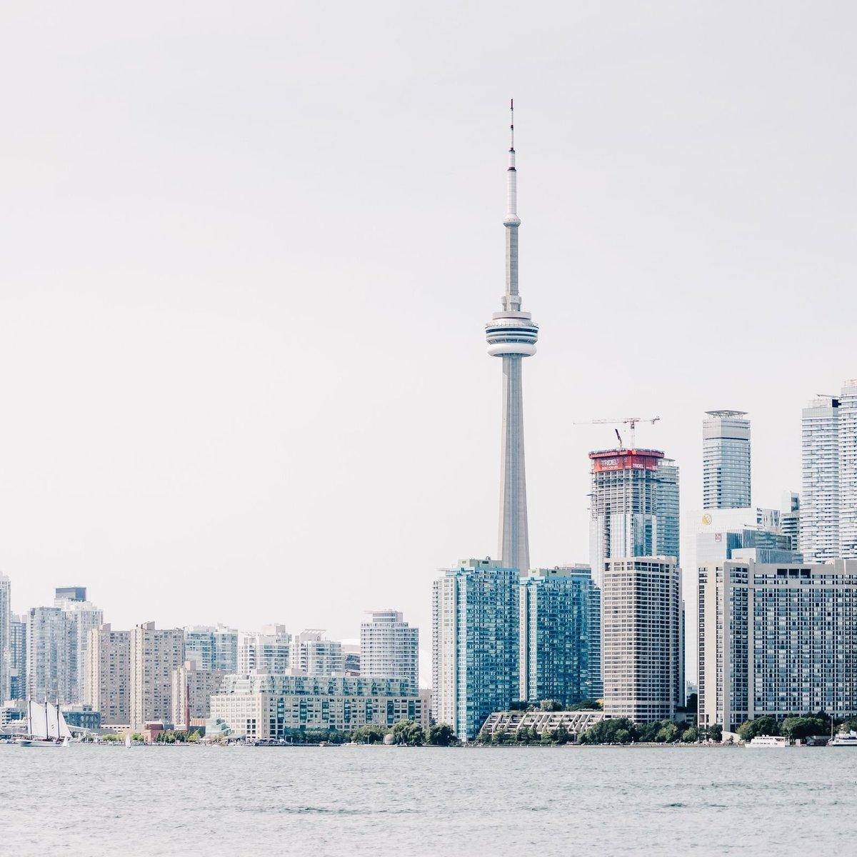 Toronto Charter Bus Rentals Rent A Coach Or School Bus To Bus Com