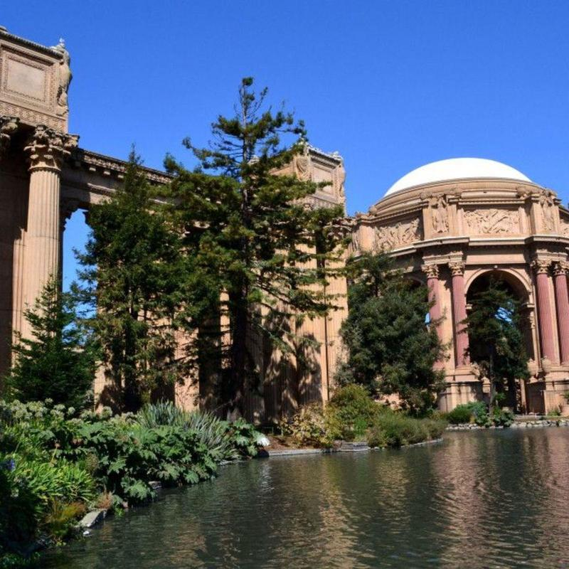 Frontal view of the Palace of Fines Arts in San Francisco