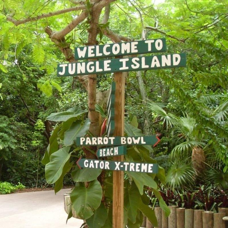 Welcome to Jungle Island sign